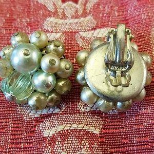 Jewelry - Vintage beaded clip on  earrings